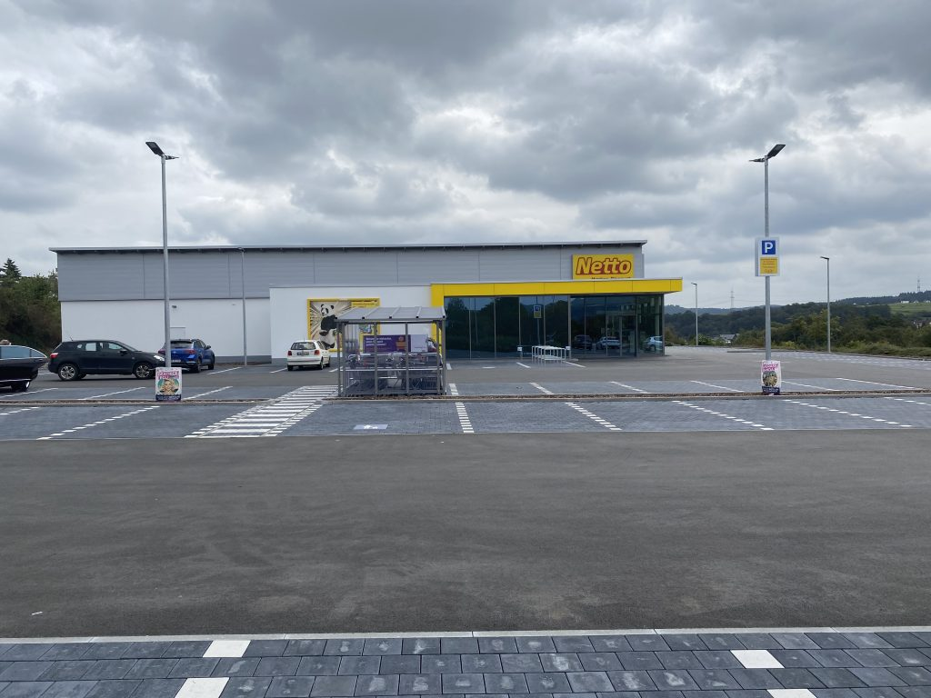 Netto-Markt in Hessen     Verkauf 2021 von Bauträger an Privatmann